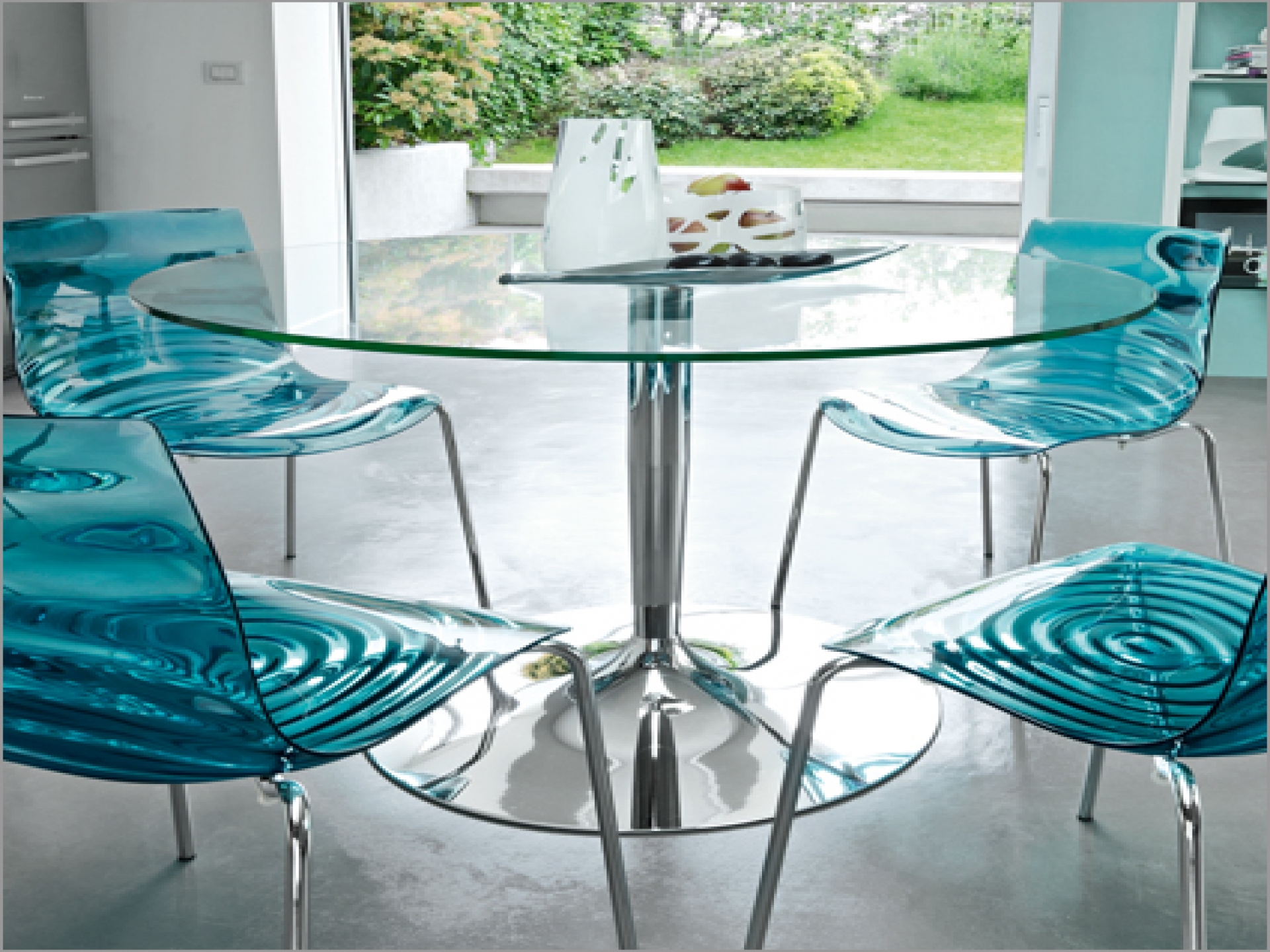 Plastic kitchen chairs Photo - 6