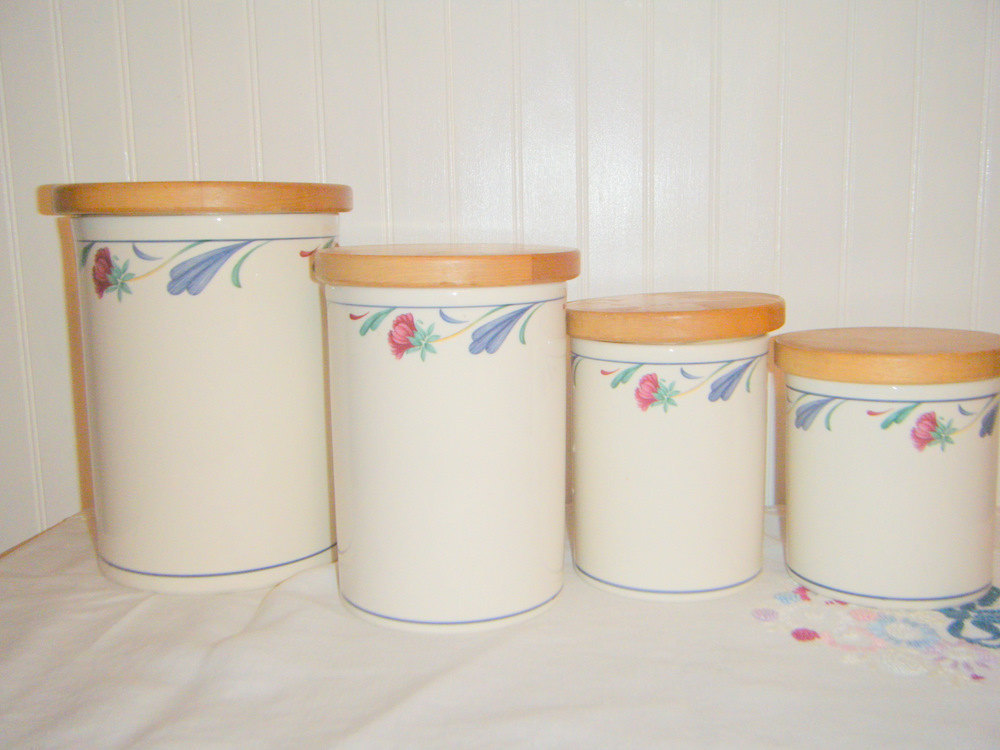 Red kitchen canister sets Photo - 2