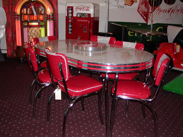 Red Kitchen Table Photo 6