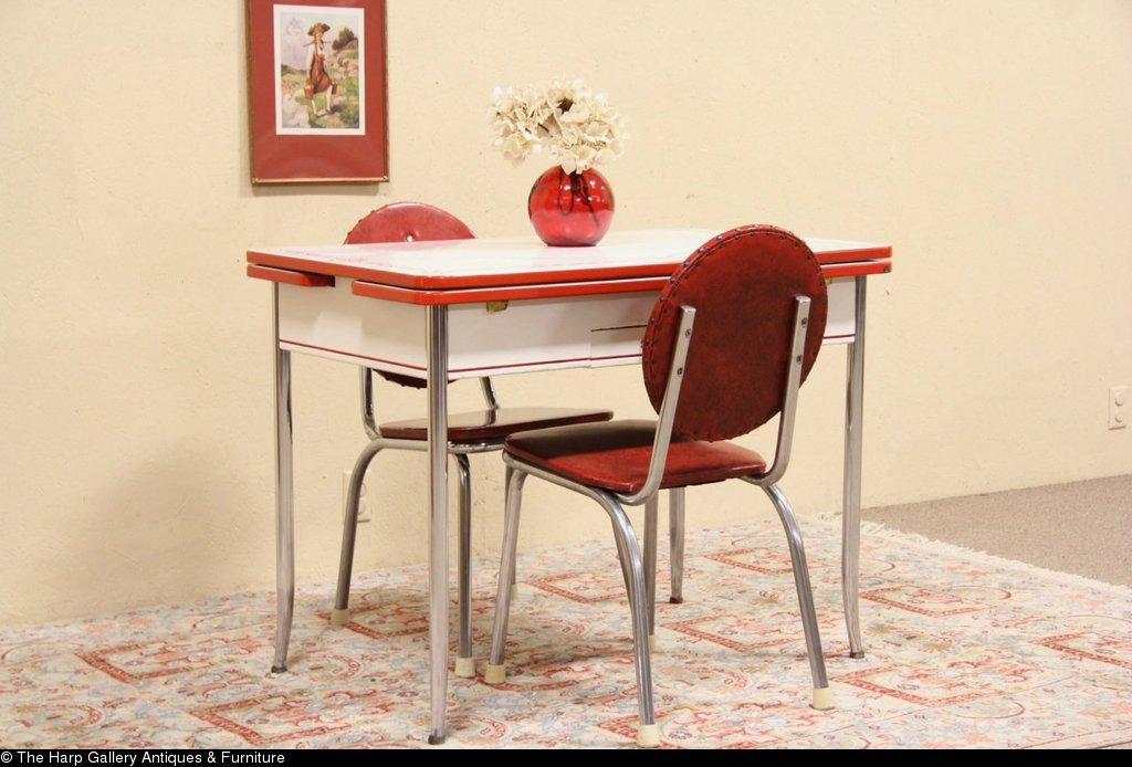 Retro kitchen table set kitchen ideas for Kitchen table setting ideas