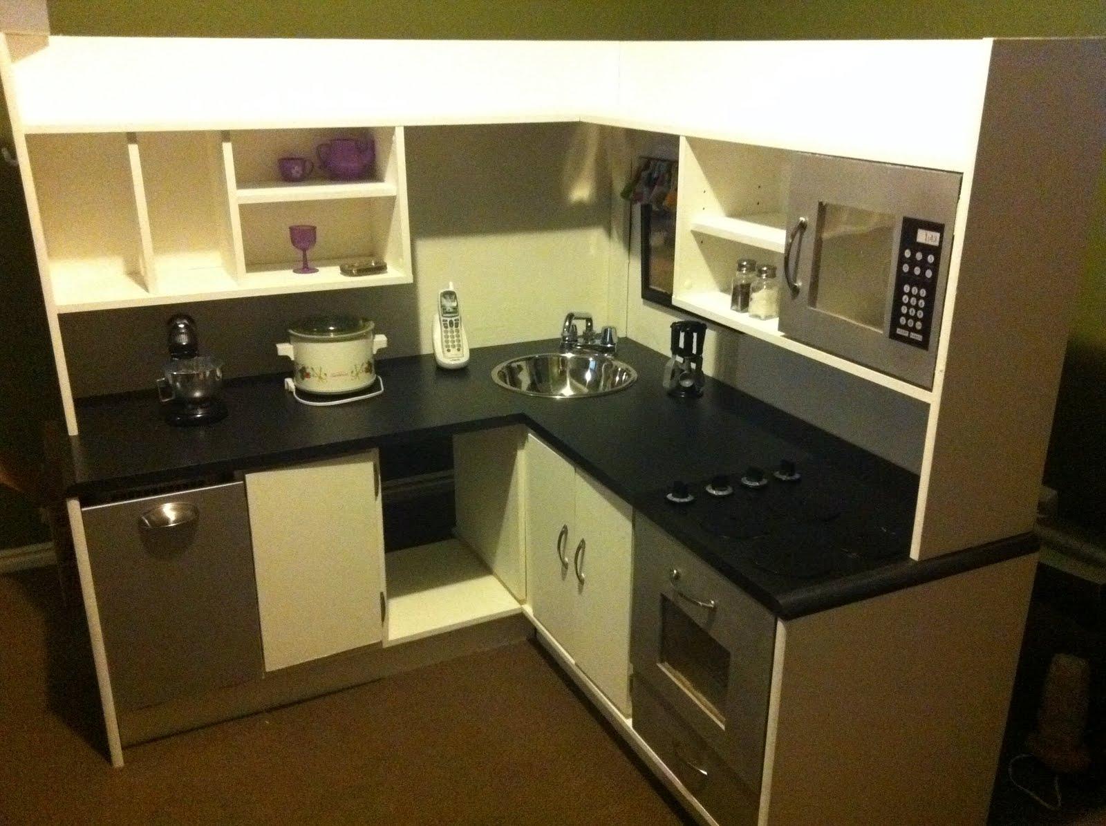 Retro play kitchen Photo - 8