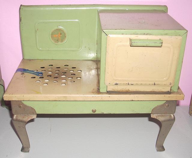 Retro toy kitchen Photo - 2