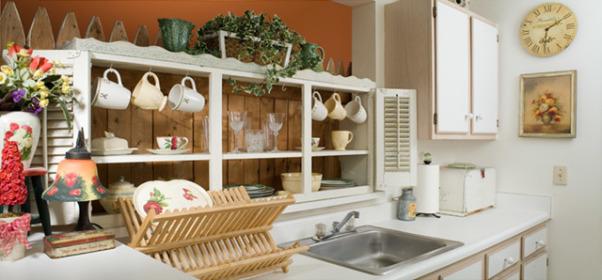 Rolling kitchen stool Photo - 12