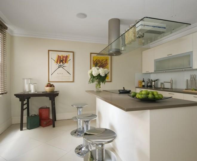 Rolling kitchen stool Photo - 4
