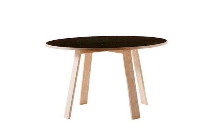 Round kitchen table Photo - 10