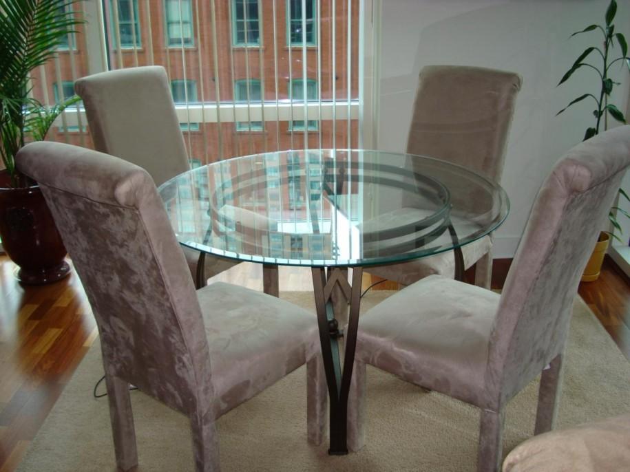 round table kitchen photo 10 - Glass Kitchen Tables