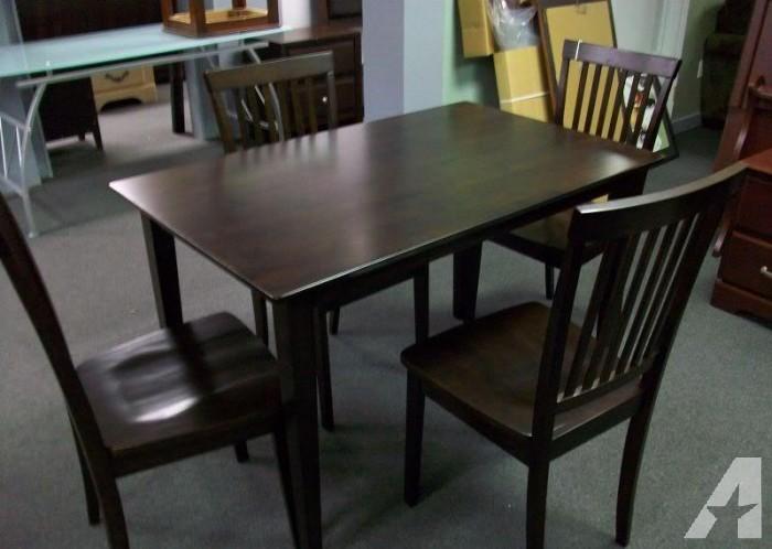 Set of 4 kitchen chairs Photo - 8