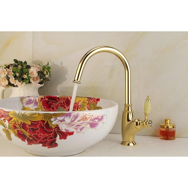 Single handle pullout kitchen faucet Photo - 2