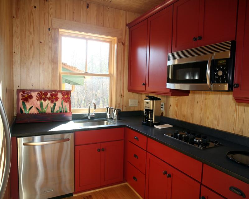 Small kitchen island Photo - 9