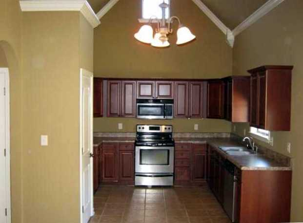 Small kitchen pantry Photo - 12