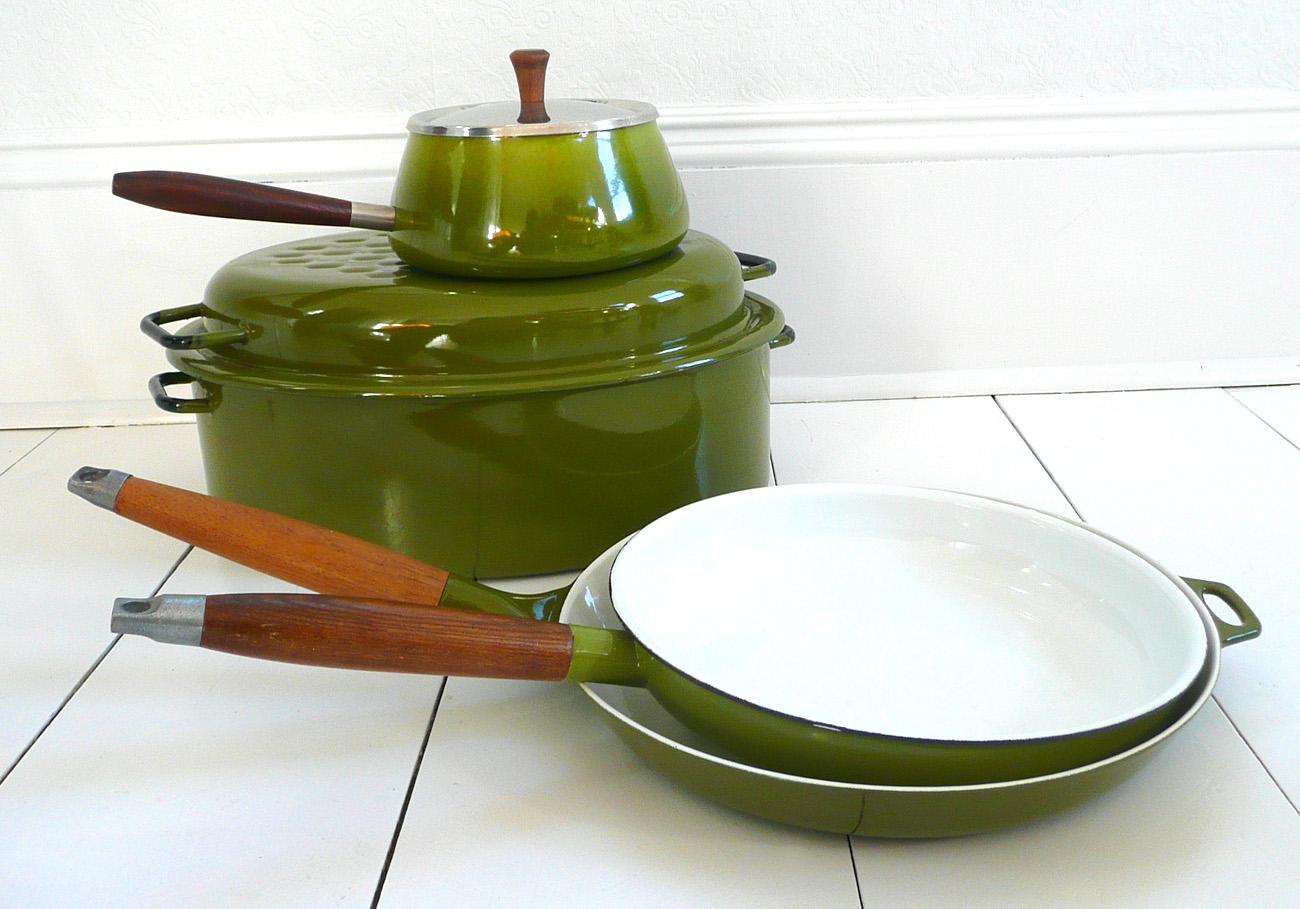 Stainless steel kitchenware Photo - 5