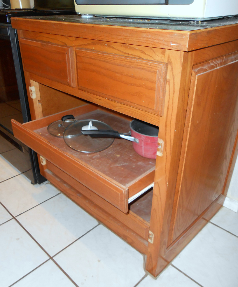 Under cabinet drawers kitchen Photo - 7