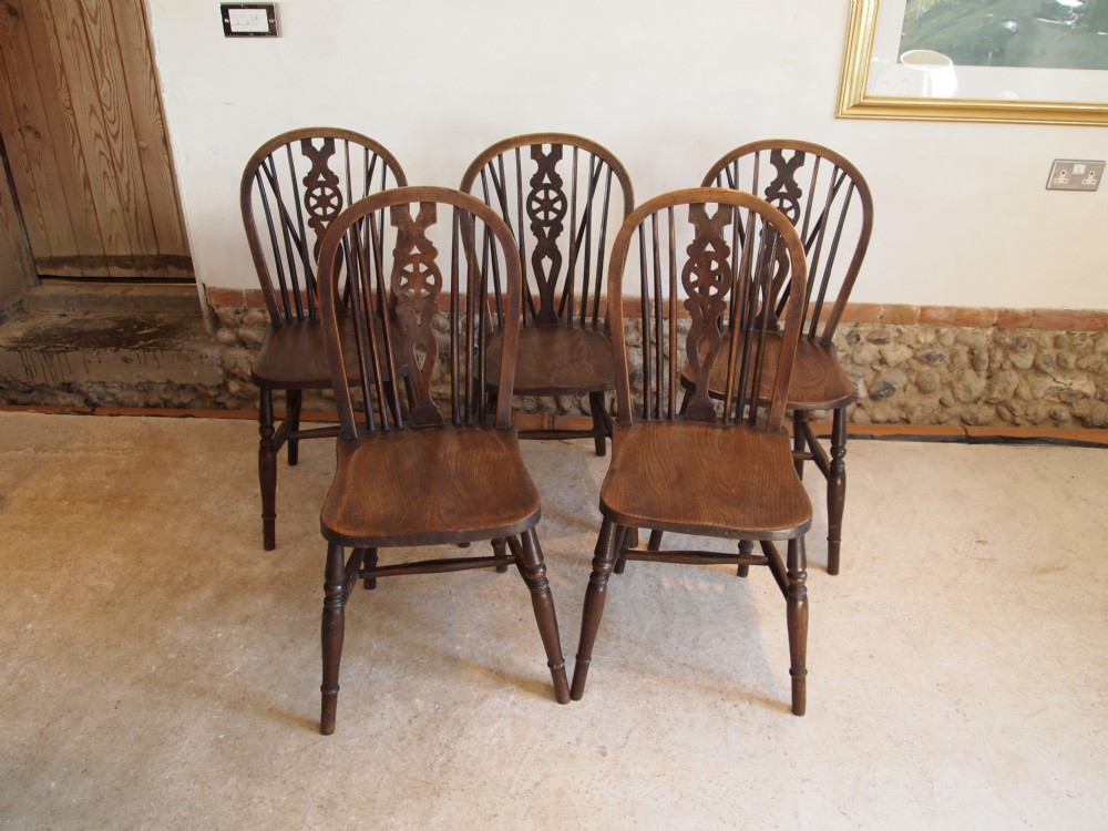 Wheeled kitchen chairs Photo - 1