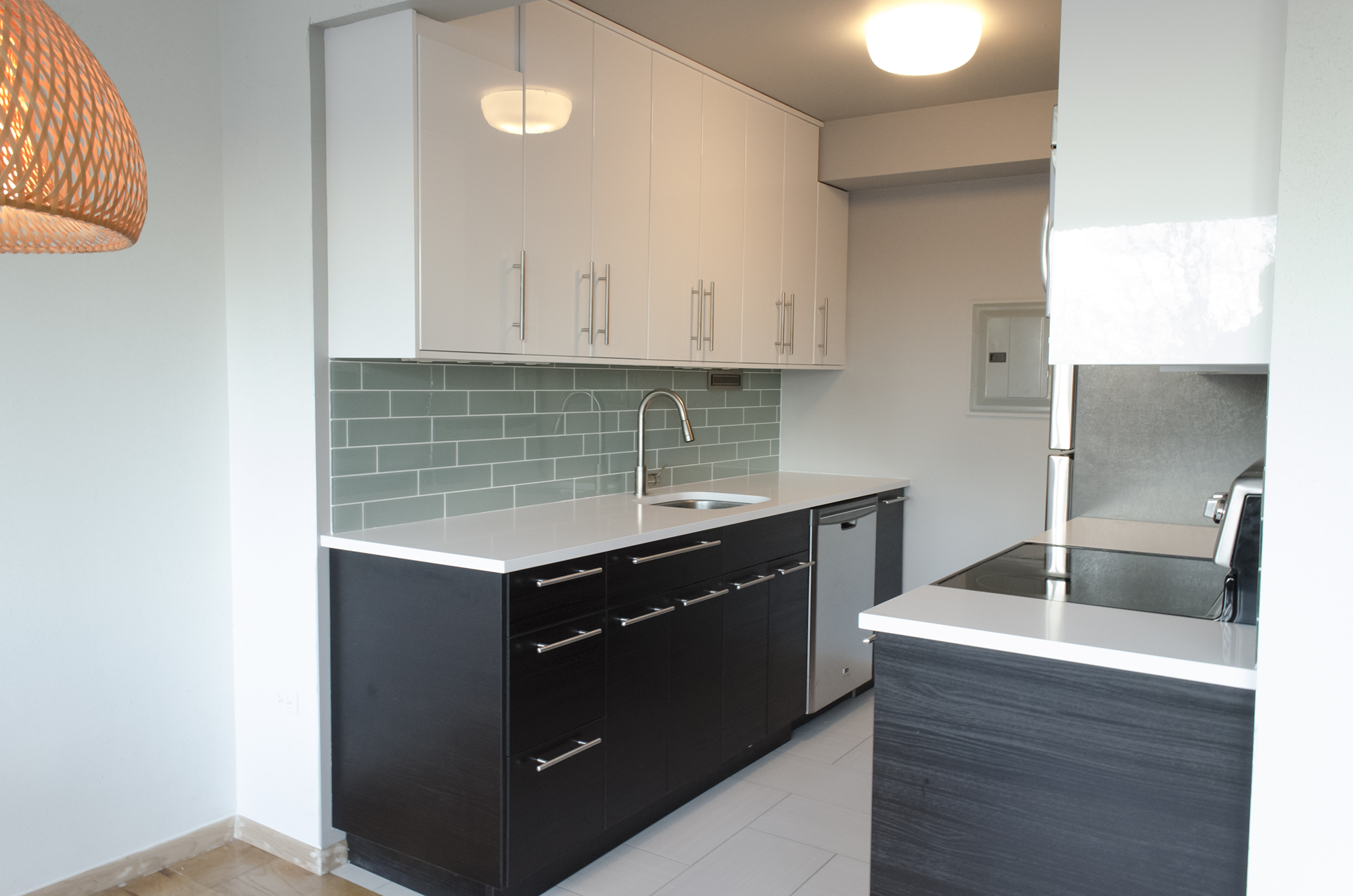 White kitchen buffet cabinet Photo - 2