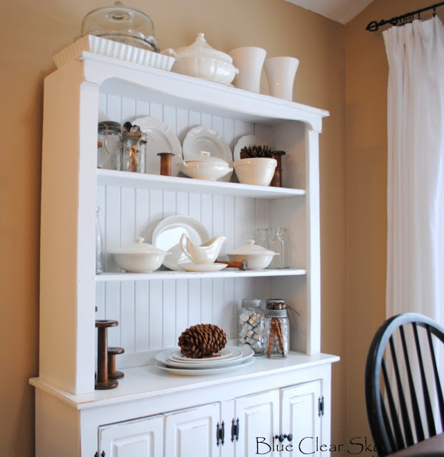 White kitchen hutch cabinet Photo - 11