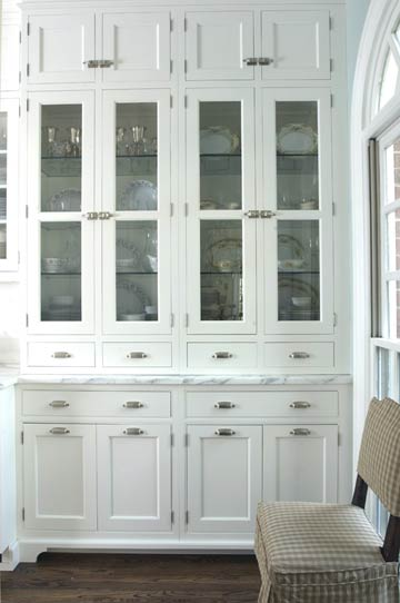 White kitchen hutch cabinet Photo - 3