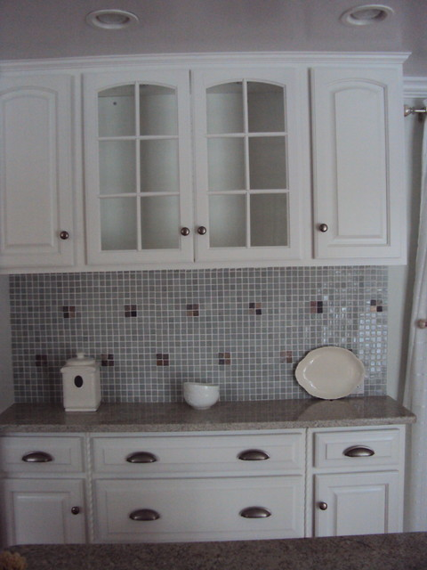 White kitchen hutch cabinet Photo - 6
