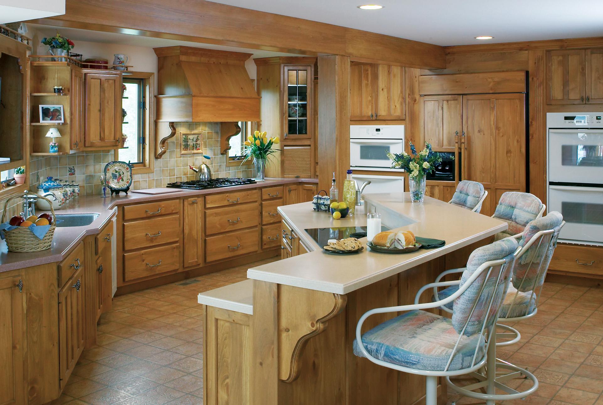 Отделка кухни в частном доме: подходящий дизайн и материалы 75