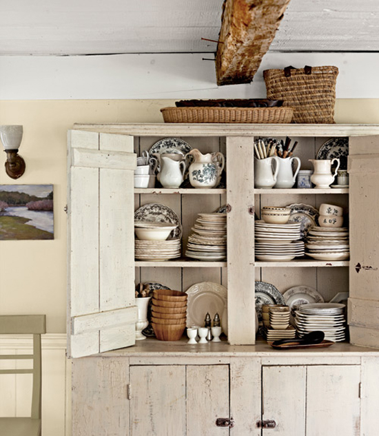 White kitchen storage Photo - 3