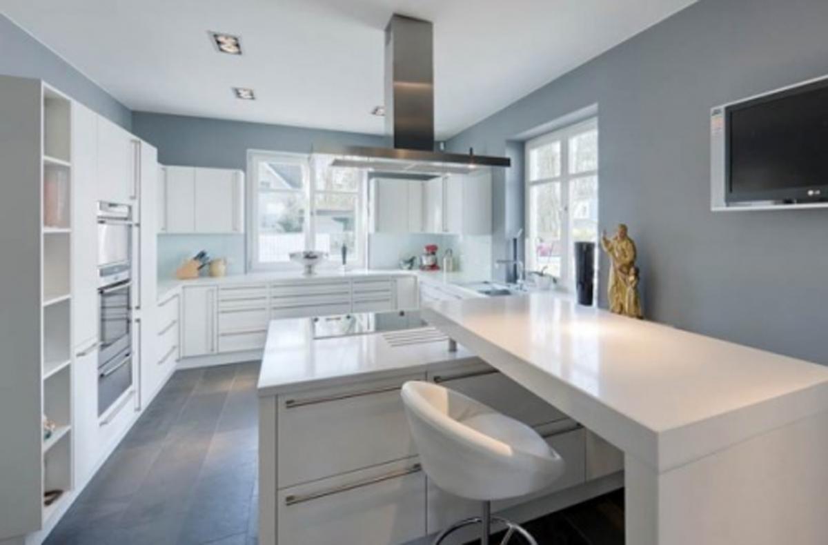 White kitchen wall cabinets Photo - 10