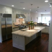 White kitchen white appliances Photo - 1