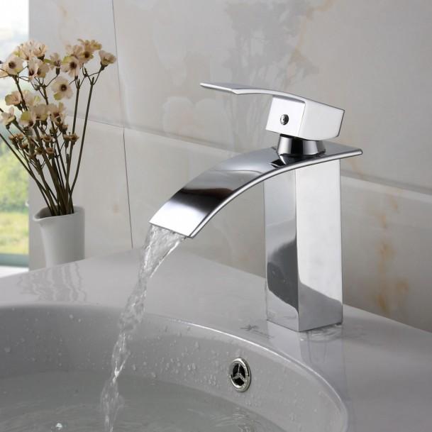 White moen kitchen faucet Photo - 10