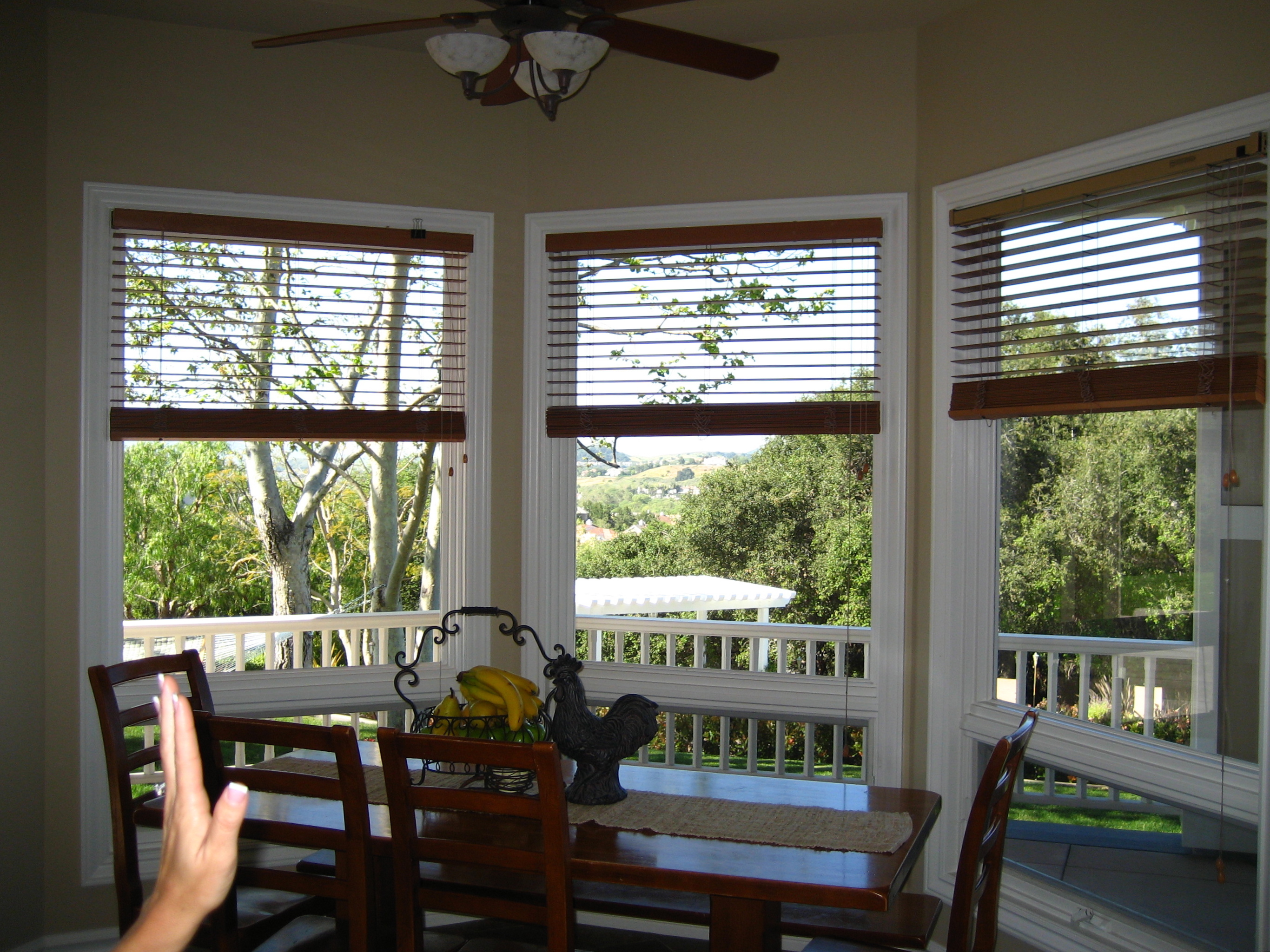 Window treatments for kitchen Photo - 2