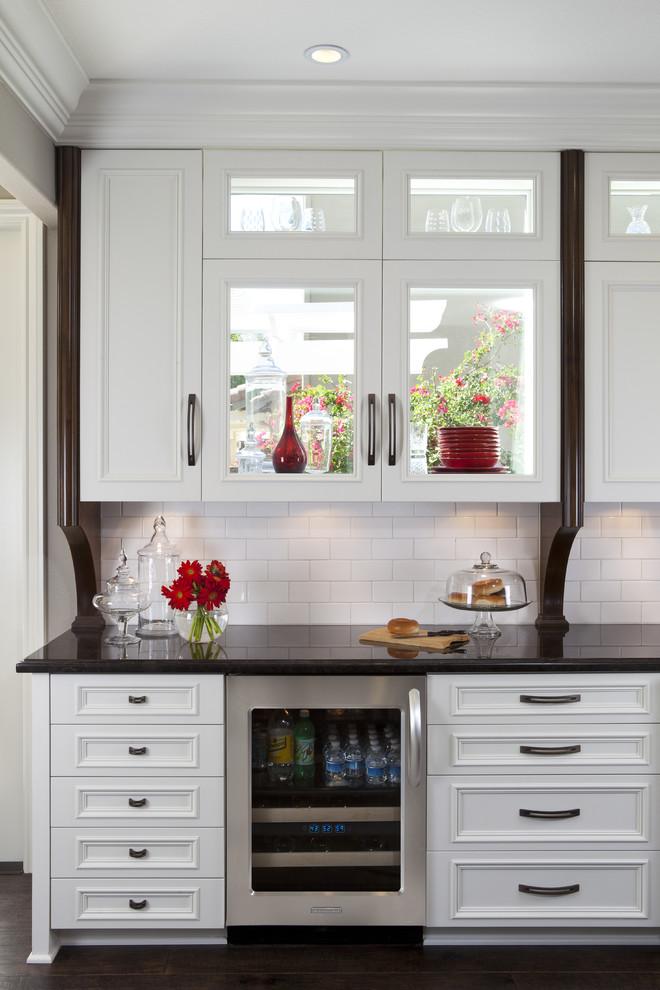 Wine decor kitchen accessories Photo - 11
