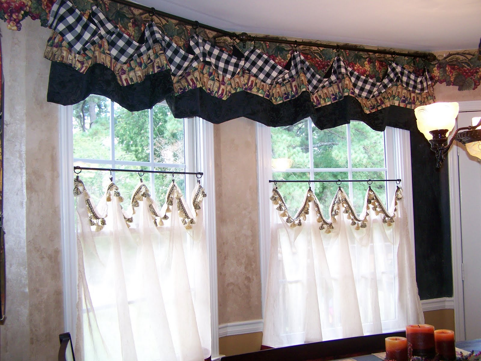 Wine themed kitchen curtains Photo - 11