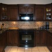 Yellow kitchen appliances Photo - 1