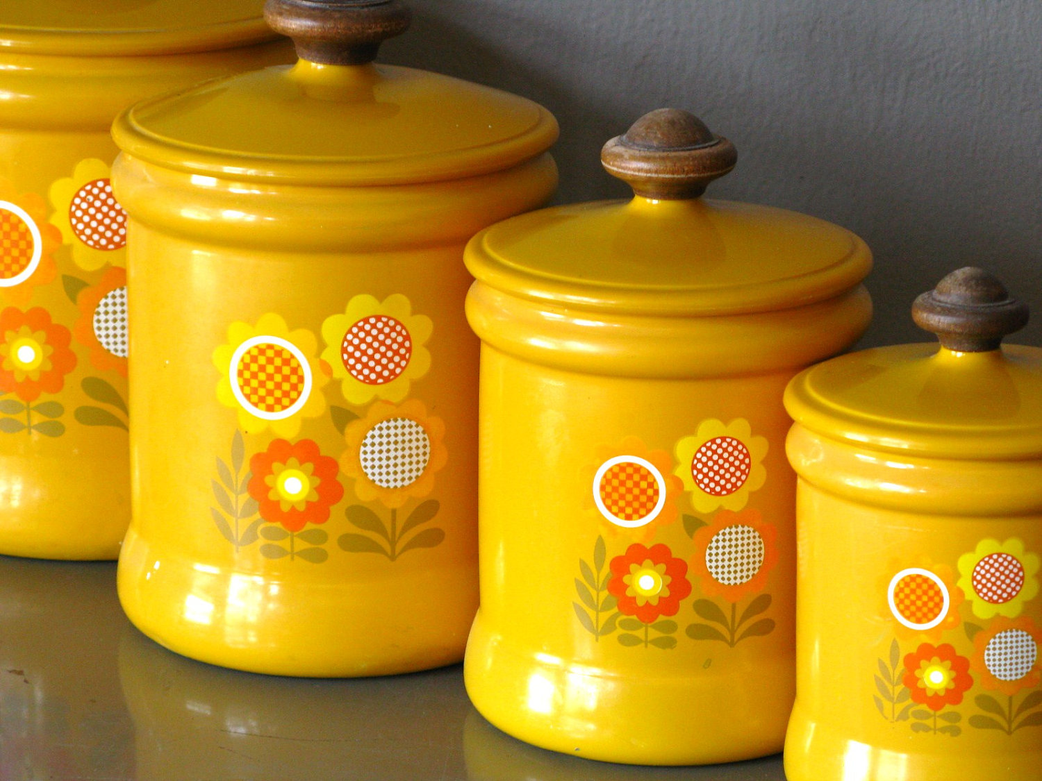 Yellow kitchen canister set kitchen ideas for Kitchen set yellow