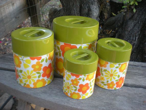 Yellow kitchen canister set Photo - 2