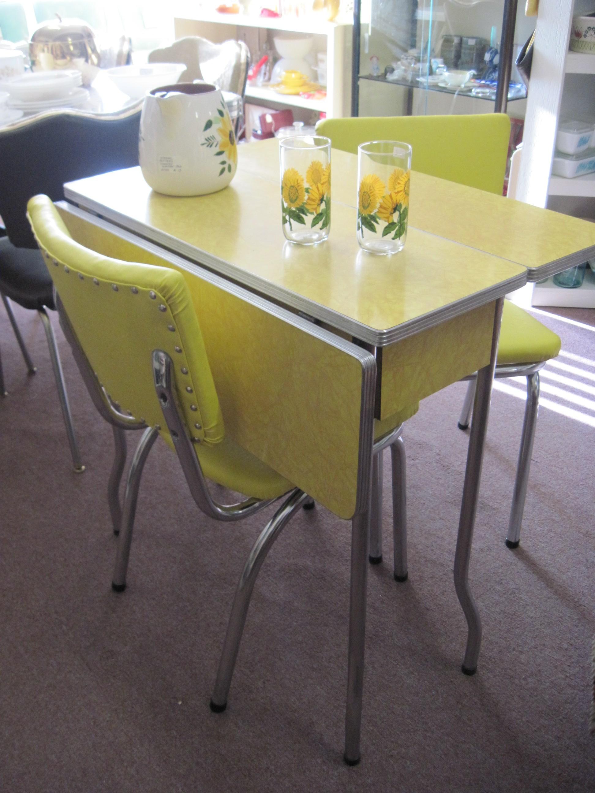 Yellow kitchen chairs Photo - 8