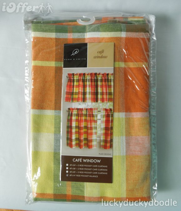 Yellow kitchen valance Photo - 12