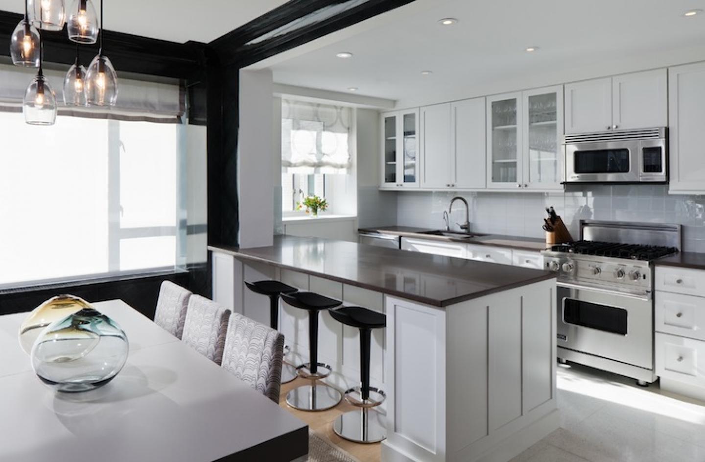 Black kitchen bar stools photo - 2