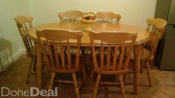 Circular kitchen table photo - 3