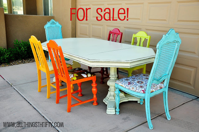 Colorful kitchen chairs photo - 1