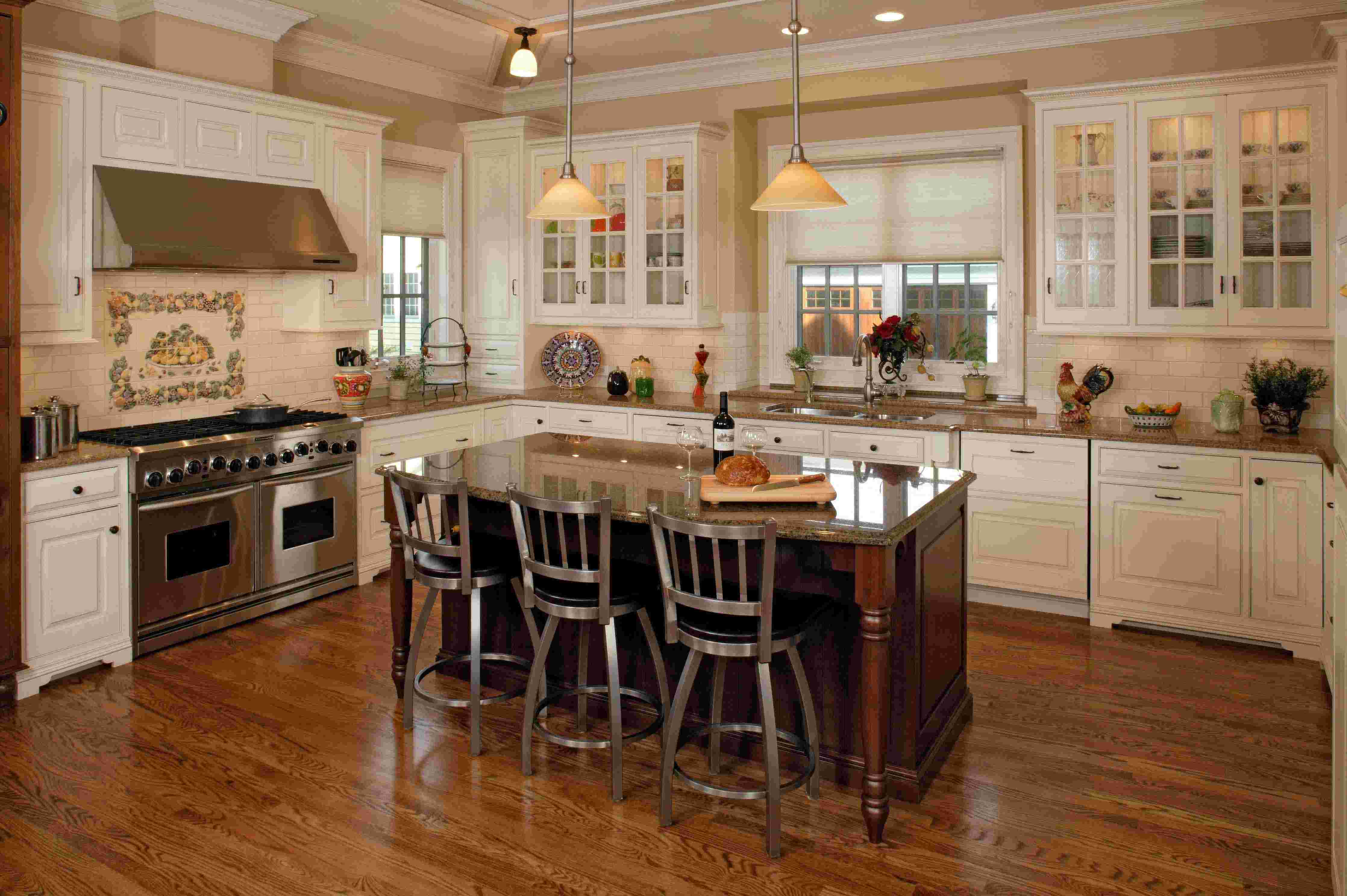 Corner kitchen island photo - 1