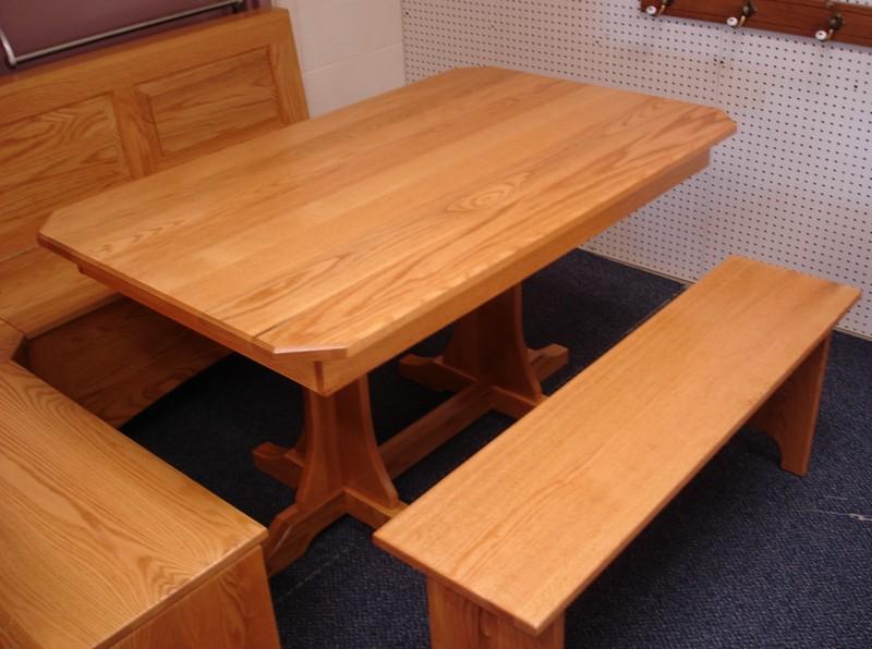Corner kitchen nook table photo - 2