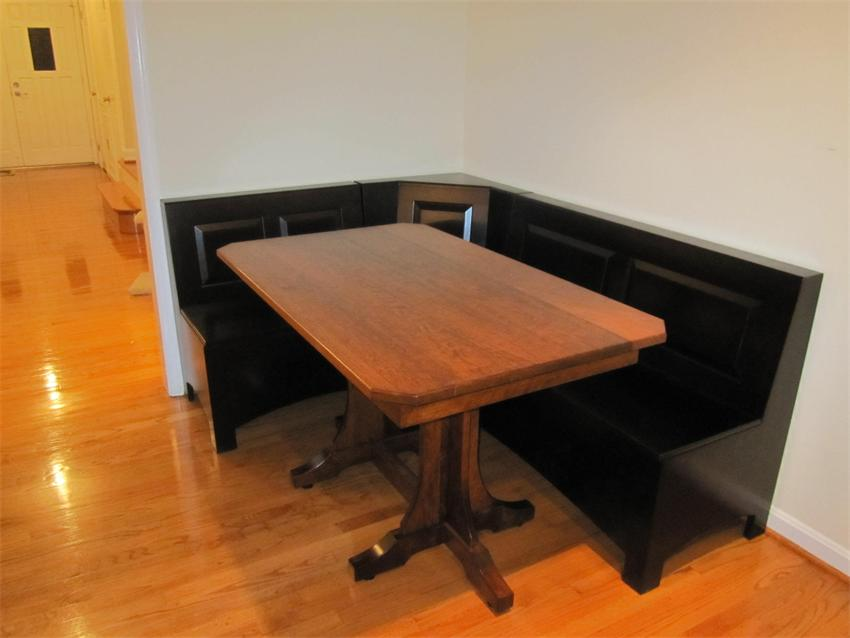 Corner kitchen tables with benches photo - 1