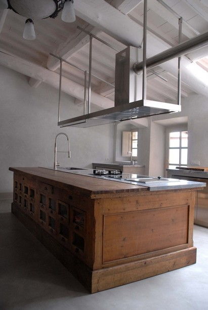 Country style kitchen island photo - 1