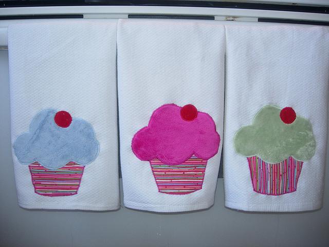 Cupcake kitchen towels photo - 3
