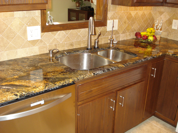 Delta bronze kitchen faucet kitchen ideas for Kitchen designs by delta