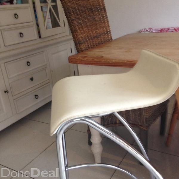 High stools for kitchen photo - 3