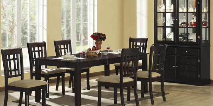 Kitchen and dining room tables photo - 1