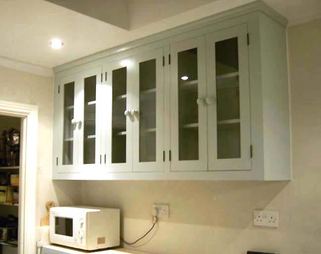 Kitchen cabinet shelves photo - 1