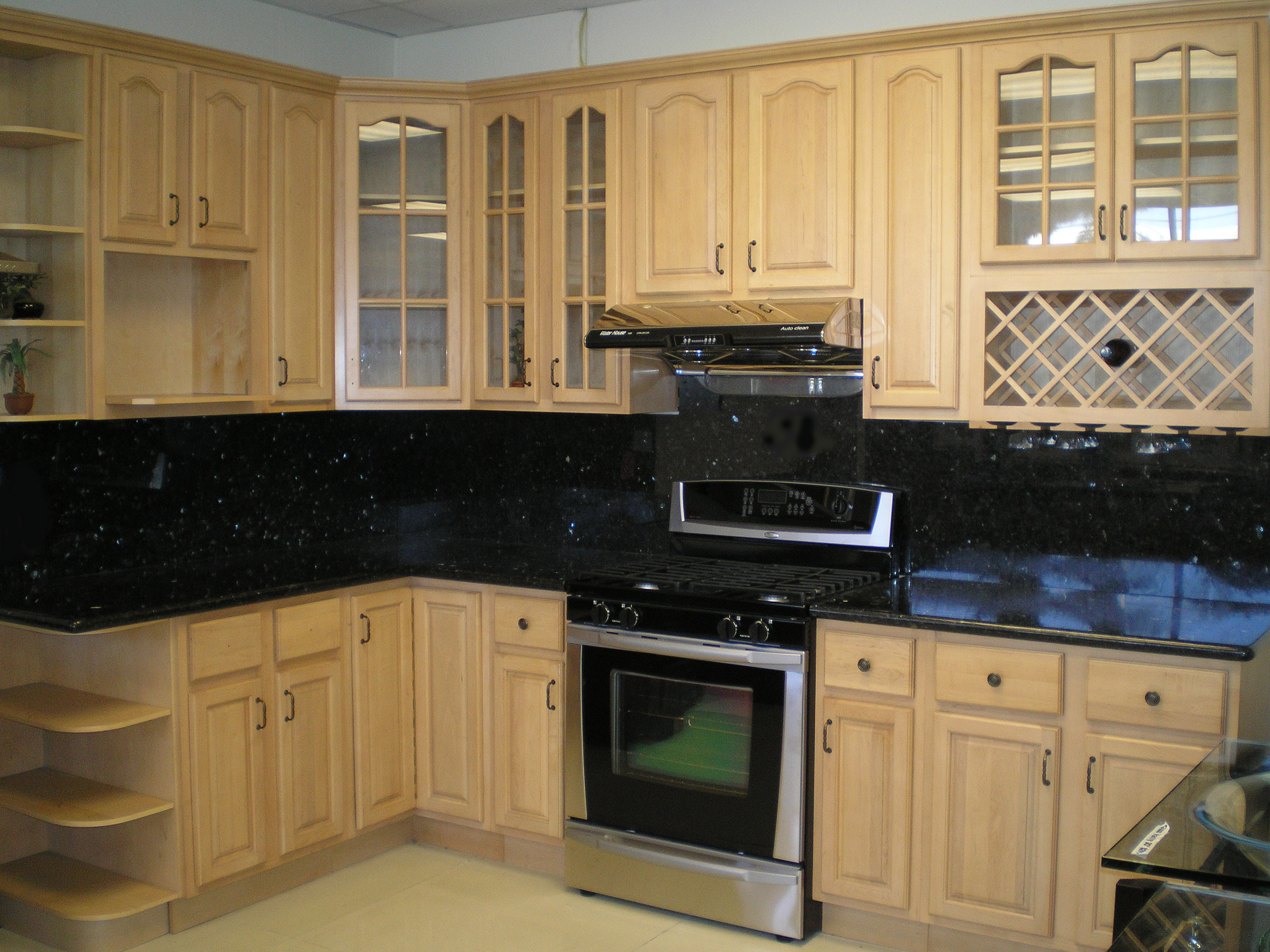 Kitchen cabinet shelves photo - 3