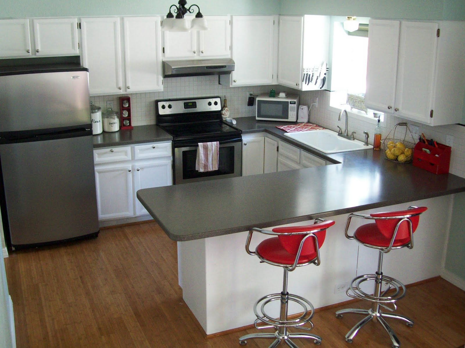 Kitchen cabinet with drawers photo - 1