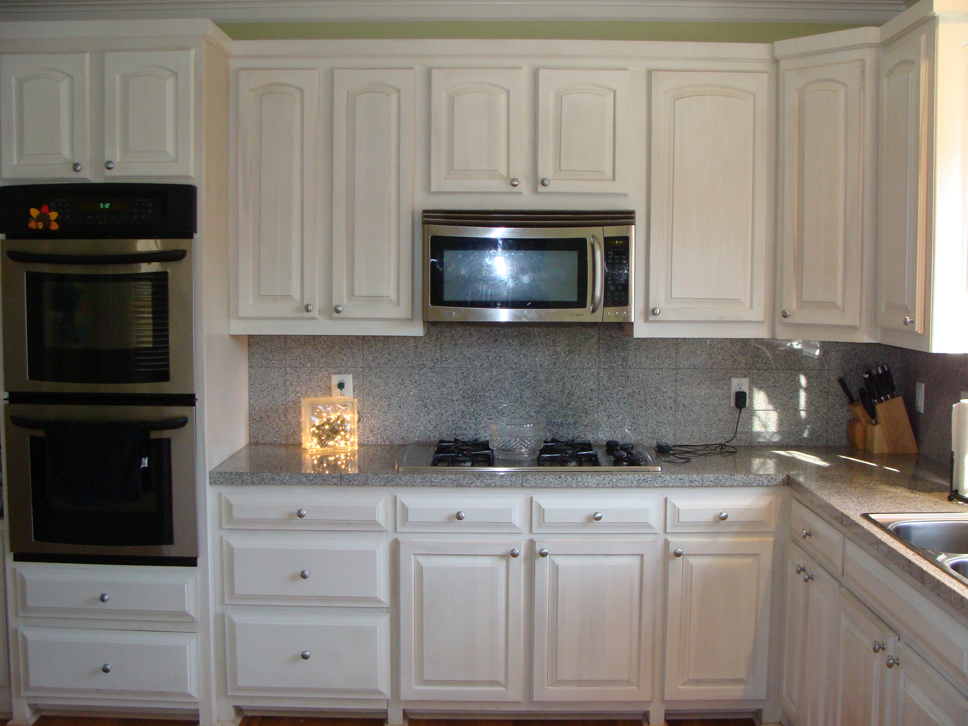 Kitchen cabinet with drawers photo - 2