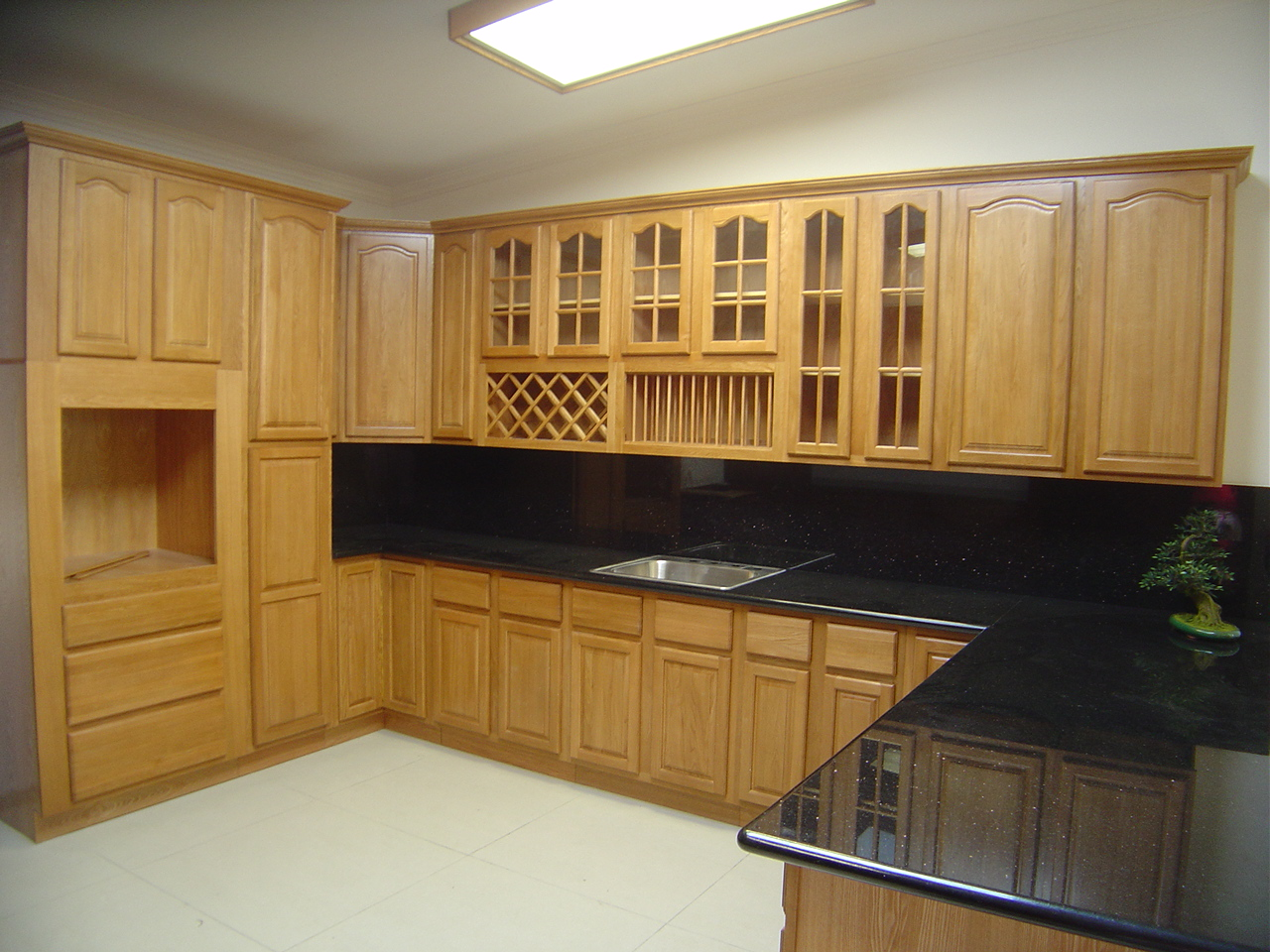 Kitchen cabinets with sliding doors photo - 1